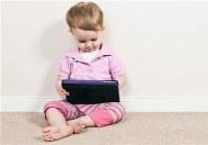 Chơi trên iPad khiến trẻ nóikém!