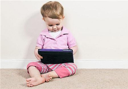 Choi-tren-iPad-khien-tre-noi-kem!-1